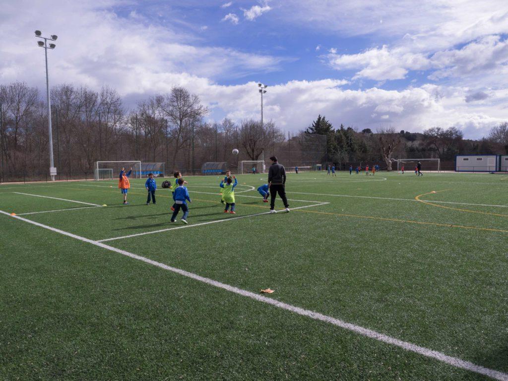 fußballplatz der schule sek el castillo de madrid