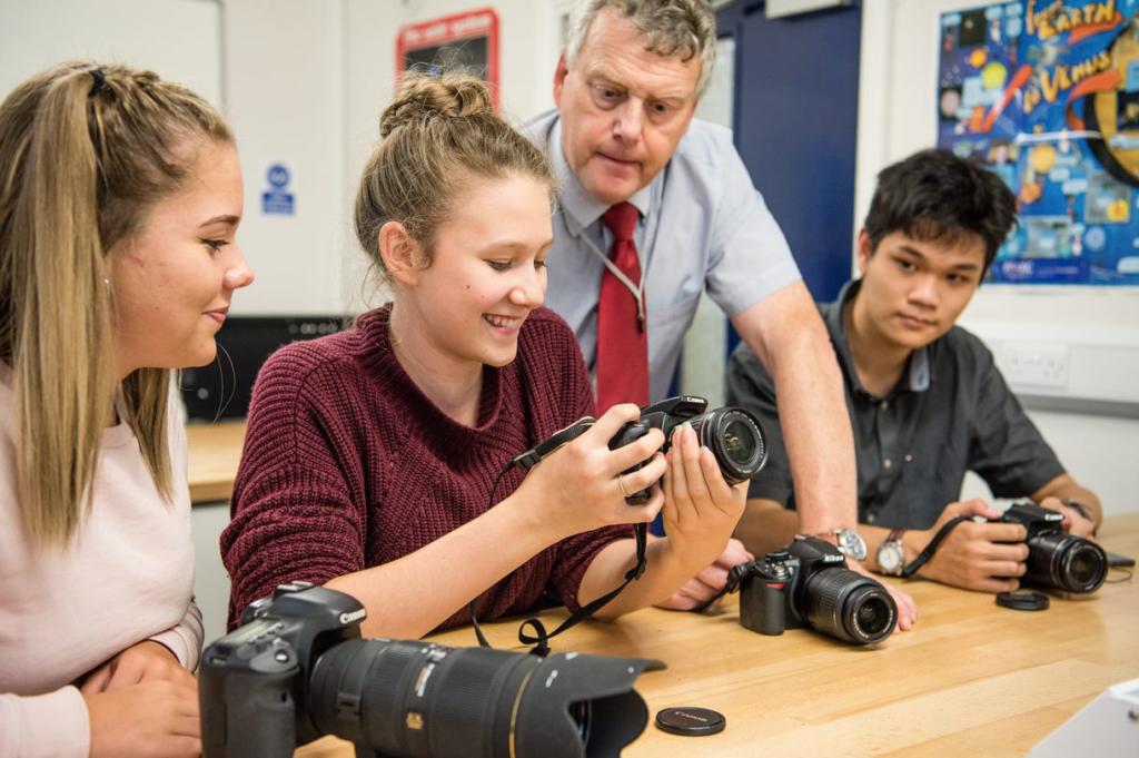 students-from-bosworth-college-london-in-internatsberatung-sib-photography-class